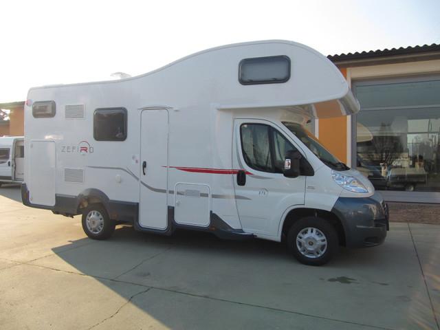 Letti A Castello Brescia.Camper Mansardato Roller Team Zefiro 275 90432026 Campanda It
